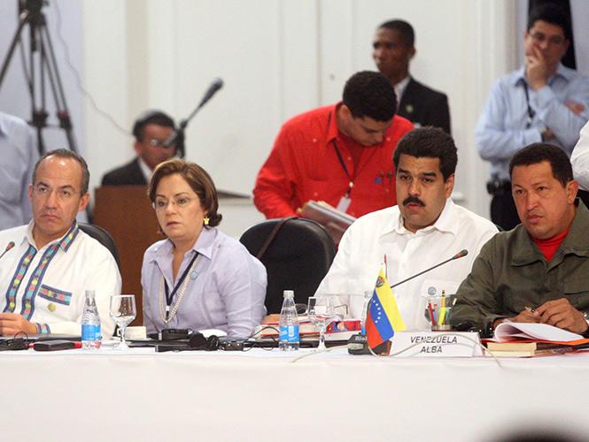 Un honor' ser declarado 'persona non-grata' en Venezuela: Calderón