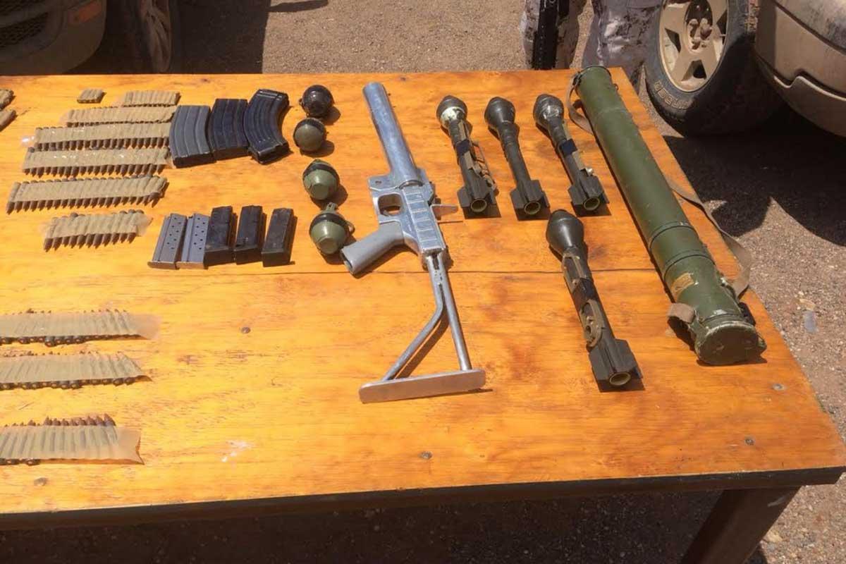 Sonora - Aseguran arsenal con seis mil cartuchos en Sonora Sedena-tanqueta-enfrentamientos-sicarios-militares-arsenal