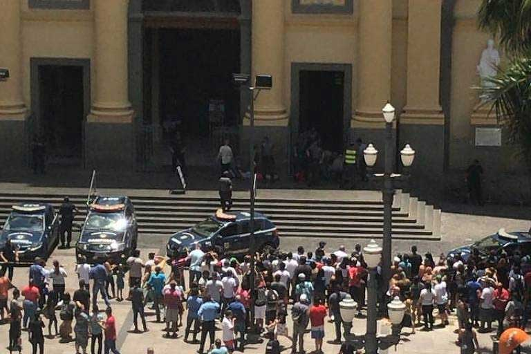 Image result for Pistolero mata 4 en catedral y se suicida en Brasil
