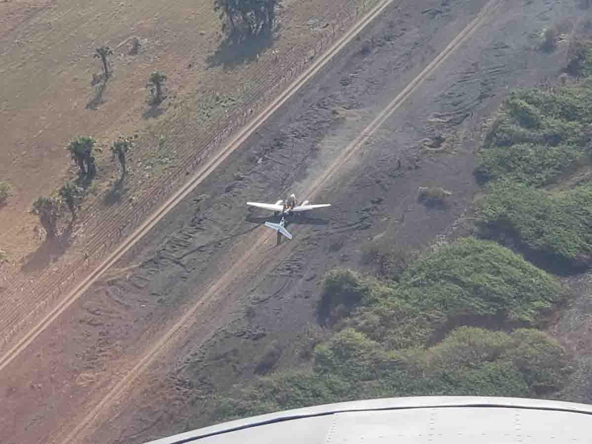 Accidentes de Aeronaves (Civiles) Noticias,comentarios,fotos,videos.  - Página 15 Cae_avioneta_en_guatemala_pasajeros_huyen_dejando_miles_de_dolares_2