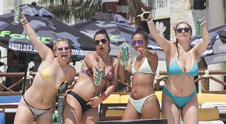 Piden a 'spring breakers' no desnudarse en playas de QRoo