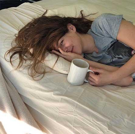 Camila Sodi Posa Presentacion Serie Netflix Luis Miguel
