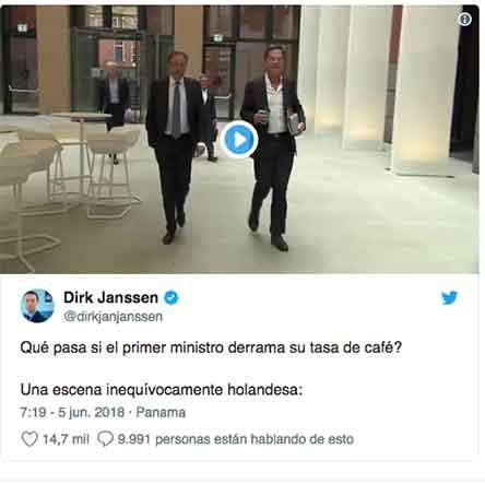 Primer ministro de Holanda trapea luego de tirar su café