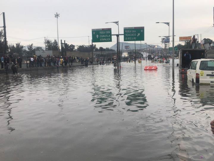 Alerta, encharcamientos e inundaciones colapsan la ciudad