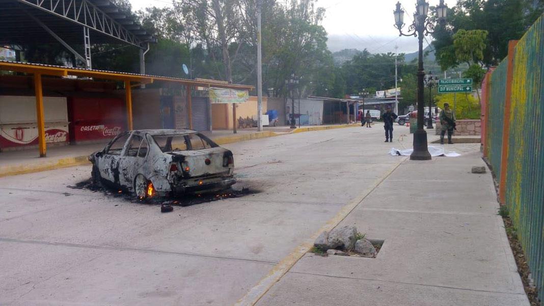 Guerrero - Matan en emboscada a comandante de la Policía Ministerial y Estatal en Guerrero Ejectuan-director-policia-zitlala-guerrero-1