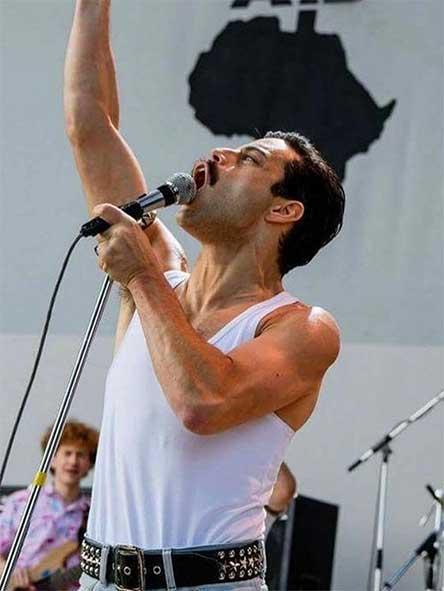 Fans Queen Cantan Bohemian Rhapsody Lobby Cine, Fans Cantan Bohemian Rhapsody Cine, Fans Cantan Bohemian Rhapsody, Rapsodia Bohemia, Cinepolis, Bohemian Rhapsody lyrics, Bohemian Rhapsody letra, Rapsody, musica, queen, rock, cine, cinepolis bohemian rhapsody, estreno bohemian rhapsody mexico, bohemian rhapsody cinemex, bohemian rhapsody pelicula mexico