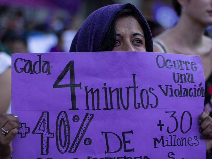 Mendoza marchó contra la violencia de género