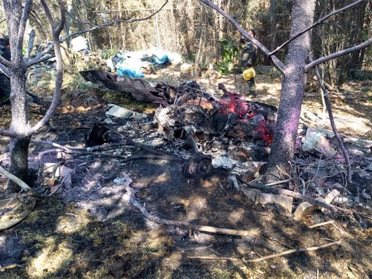 Desplome de avioneta deja dos muertos en Atizapán