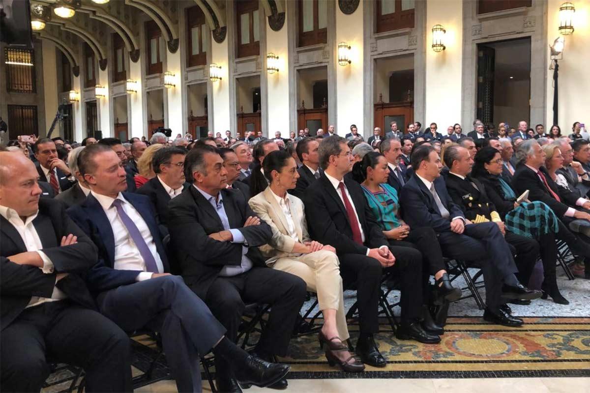 Al evento acudieron gobernadores y la Jefa de Gobierno