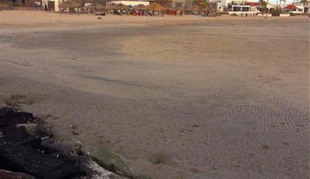 La playa se muestra más ancha de lo normal en Guaymas, Sonora