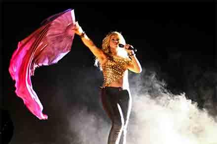 Shakira enfrenta seis delitos y tendrá que declarar ante la justicia española