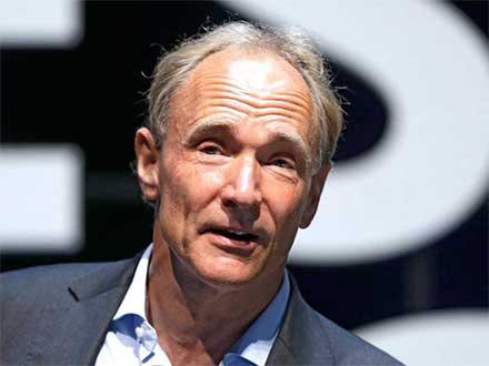 Close Up a Berners Lee, el creador d ela red de comunicación a través de computadoras