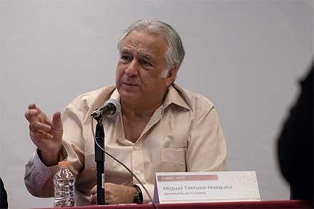 Miguel Torruco, secretario de Turismo, habla en Mérida, Yucatán