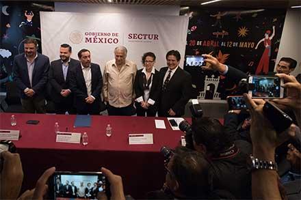 Funcionarios de Yucatán reunidos con el secretario de Turismo