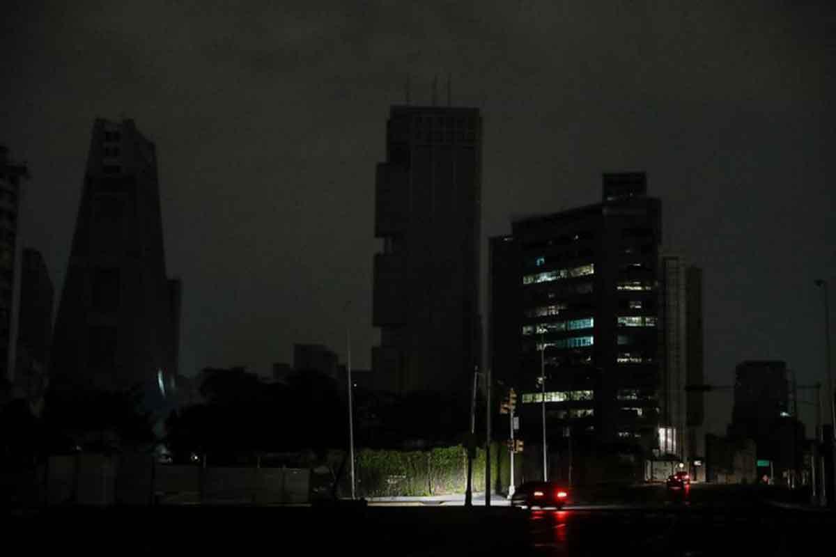 Por falta de luz, el gobierno de Maduro anunció racionamiento en Venezuela