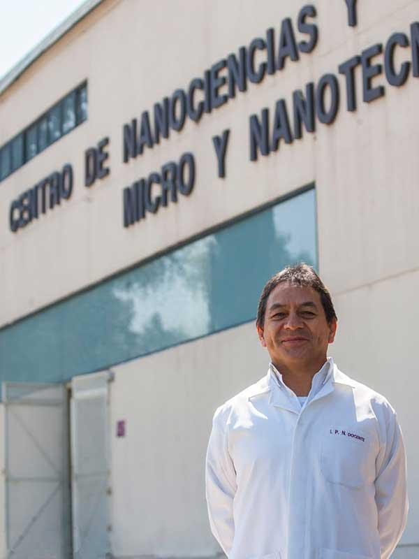 El investigador de la Escuela Superior de Medicina (ESM) y especialista en cardiología, Juan Manuel Vélez Reséndiz. Foto: IPN