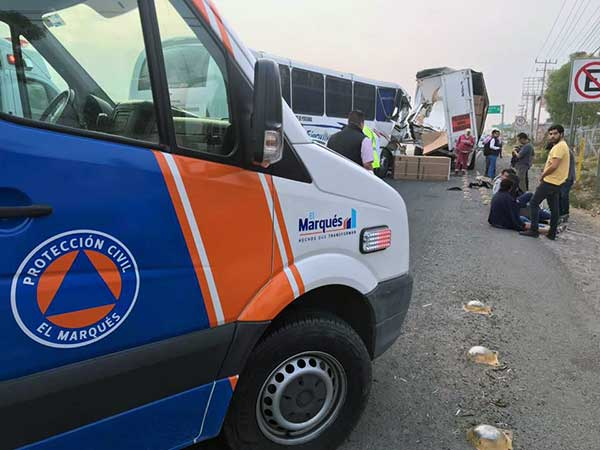 De acuerdo con los primeros reportes, ninguno de los viajeros presentó lesiones de consideración. Foto: Especial