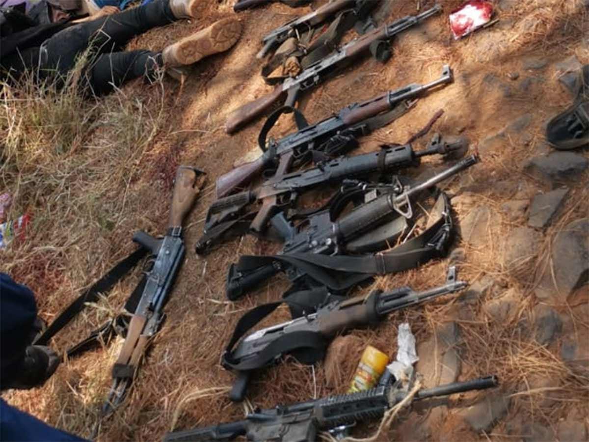 Deja 10 muertos enfrentamiento en Uruapan
