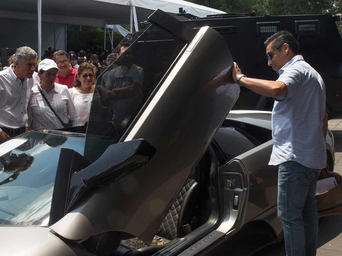Un Lamborghini Murciélago, con un precio de salida de un millón 472 mil pesos, se vendió en un millón 775 mil pesos, lo que representó un sobreprecio de 21%