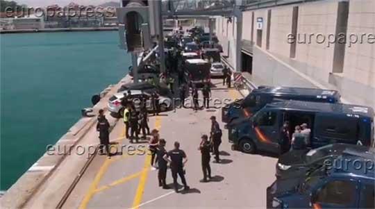 Barcelona lanza a las calles a mil agentes contra el narco