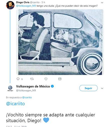 Tuit de Volkswagen sobre la cama para niños en el asiento de atrás