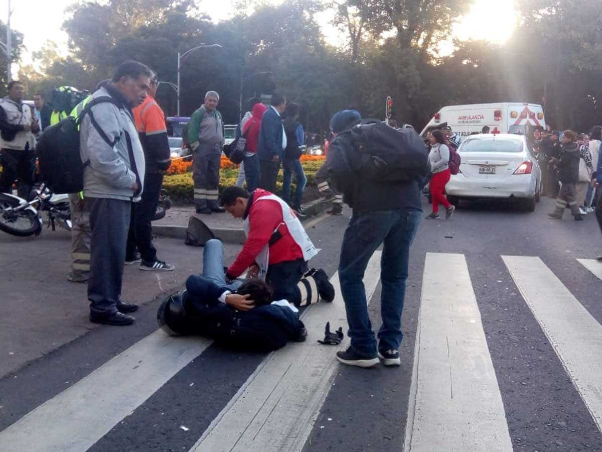 Los lesionados fueron atendidos por servicios de emergencia. Foto: Rodolfo Dorantes