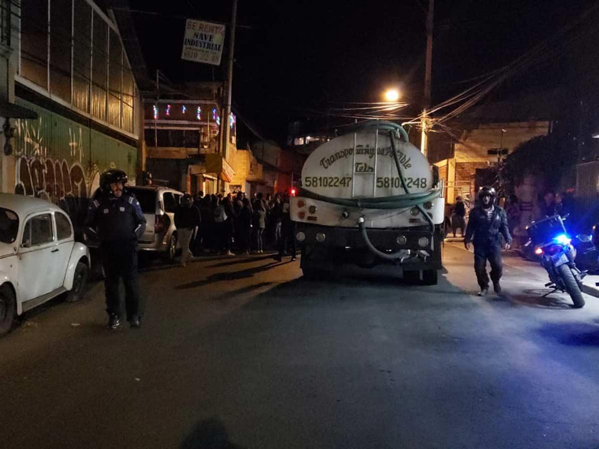 El bloqueo ocasionó que la circulación se viera afectada. Foto: Mauricio Hernández