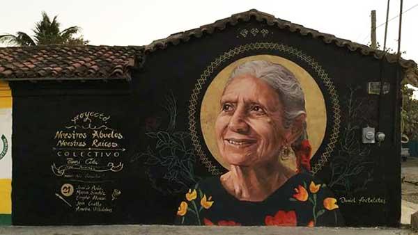 Rosalía Vicente de la Cruz Na Rosita, personaje emblemático e icono de la reconstrucción del sismo hace tres años, falleció a los 78 años de edad. Foto: Especial