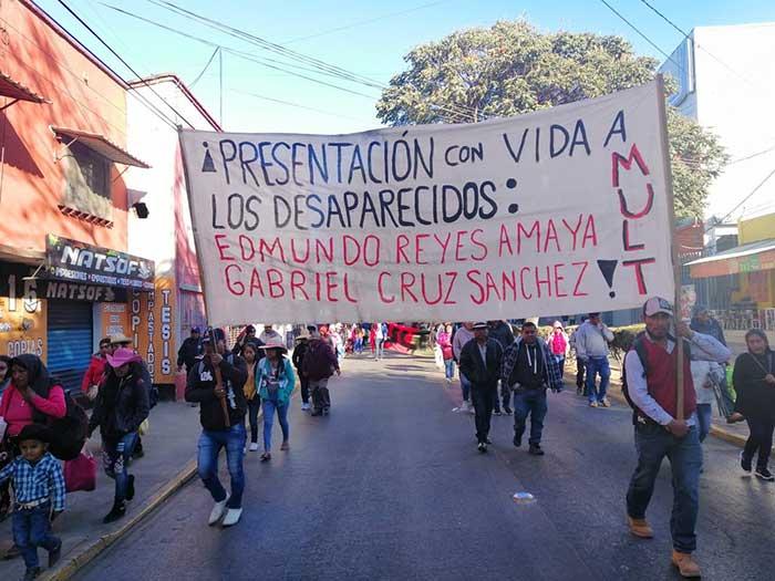 El MULT marcha para conmemorar el 39 aniversario de su organización y exigir justicia por el asesinato de su fundador, Heriberto Pazos Ortiz. Foto: Especial