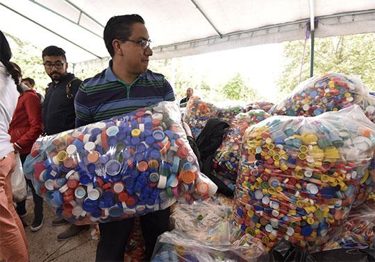 Donación de tapitas de plástico