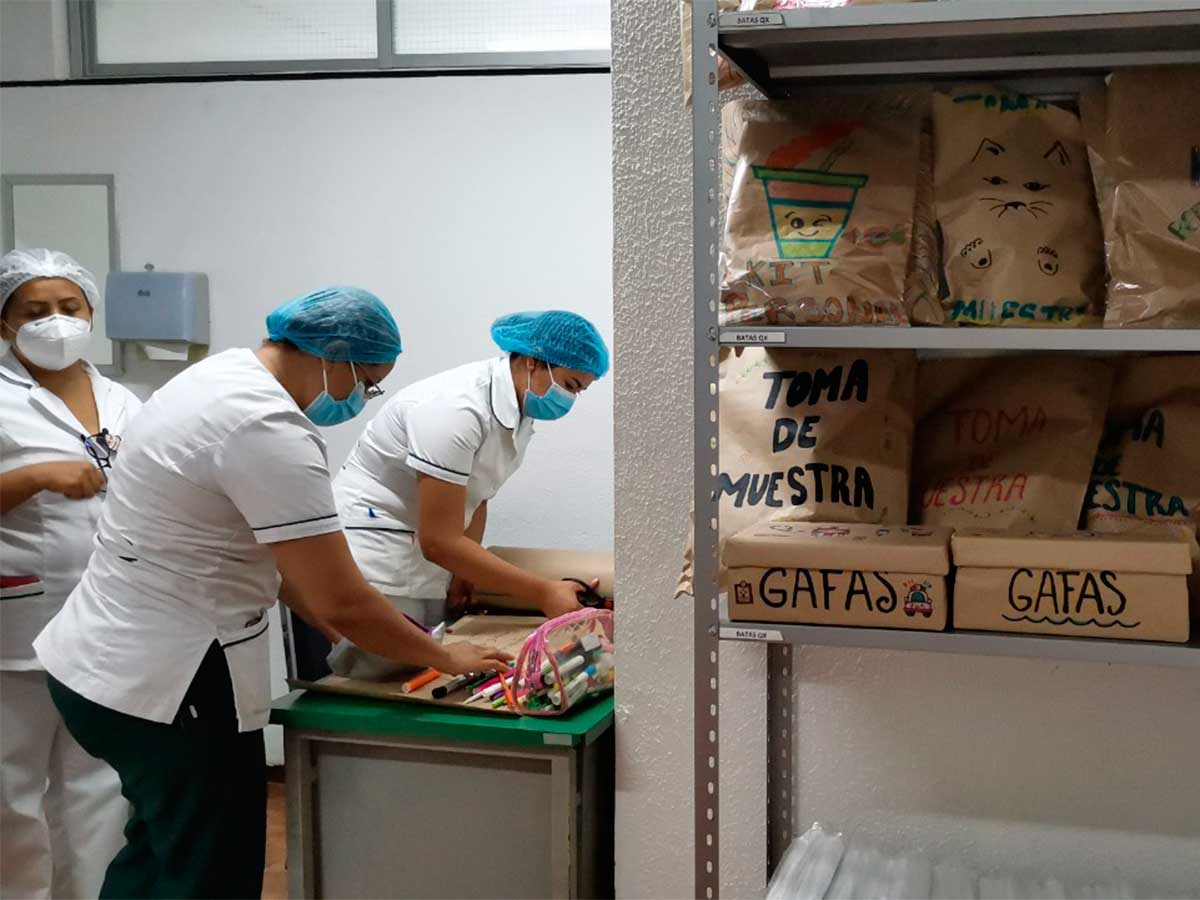 Las enfermeras reconocen y aplauden el trabajo de sus colegan durante su combate al Covid a lo largo de 7 meses. Foto: IMSS