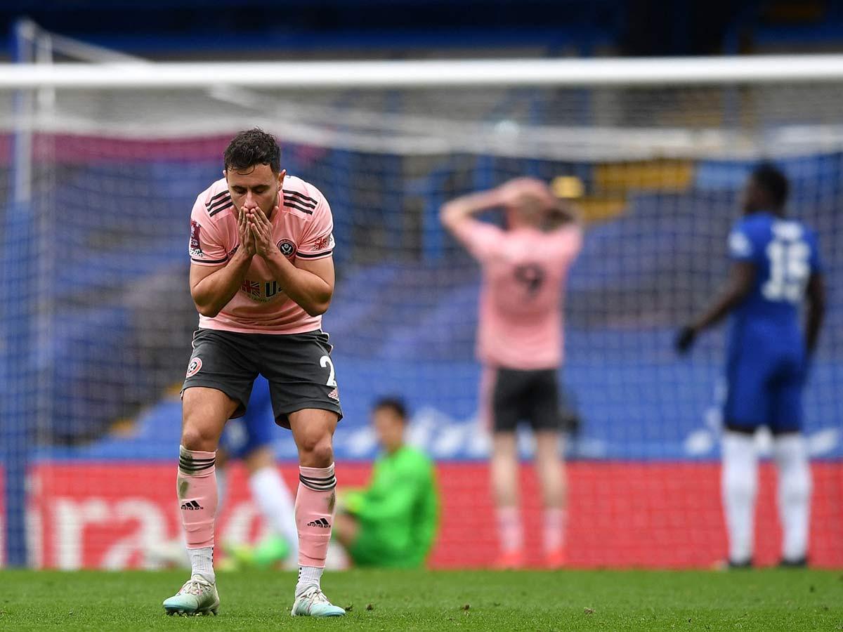Reacción del defensa inglés del Sheffield United, George Baldock // Foto: AFP