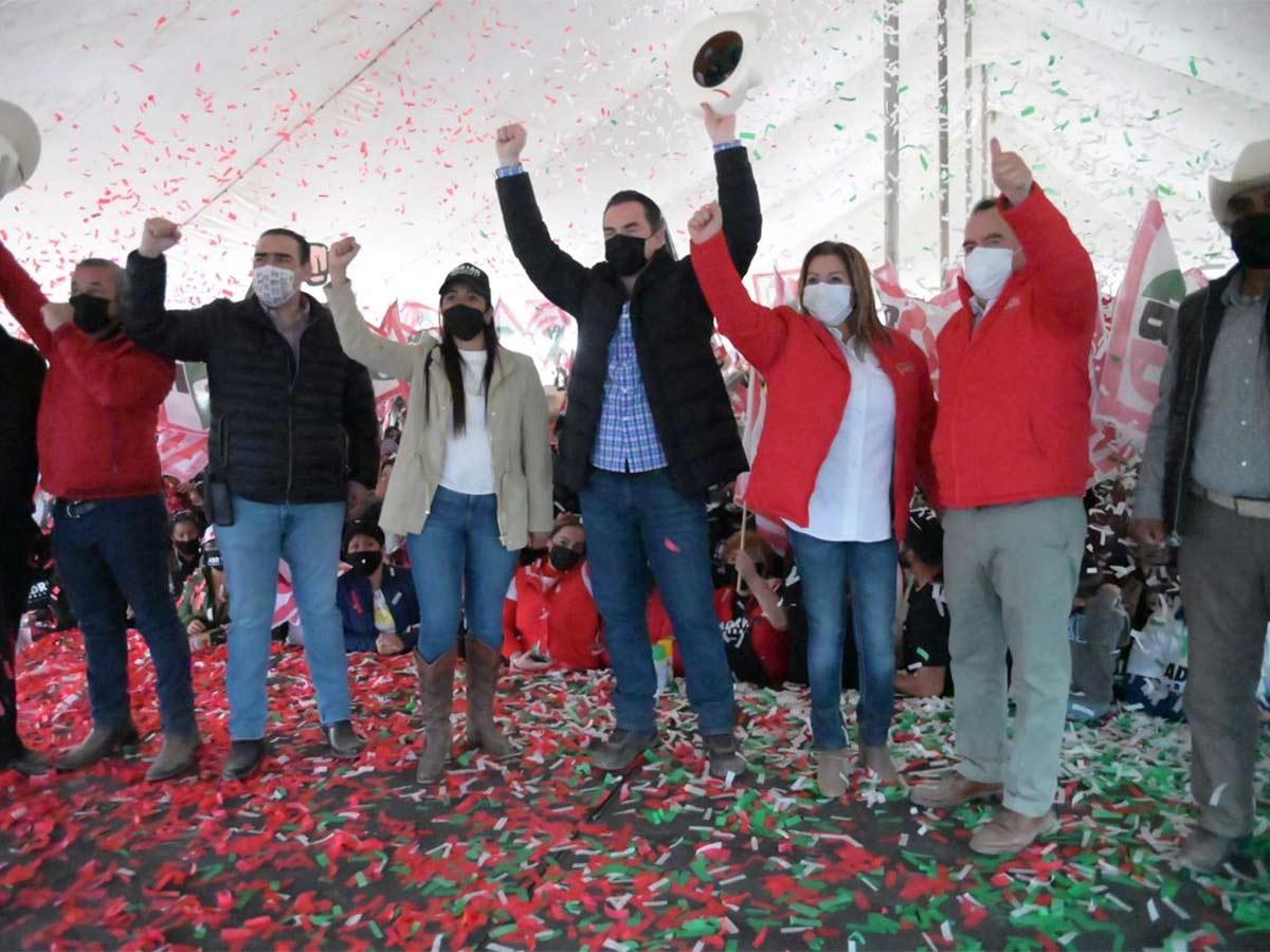 Adrián de la Garza se compromete a apoyar al campo en Nuevo León