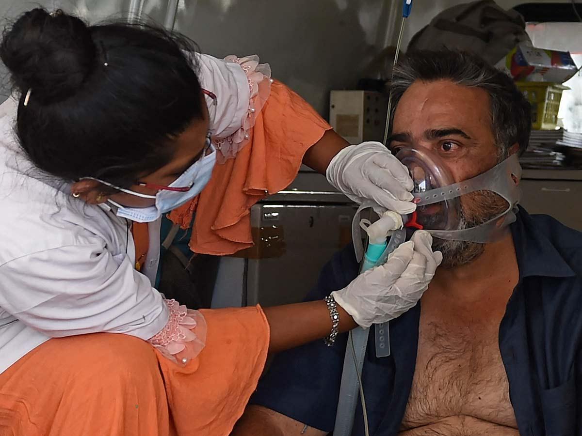 La falta de oxígeno genera estragos en el sistema de salud de India / Foto: AFP
