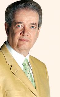 Felipe Calderón de compras  en Costco