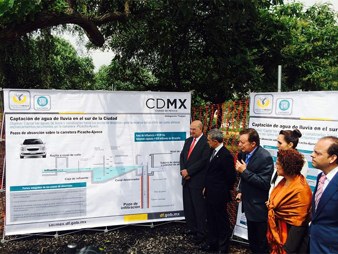 El Ejecutivo local, Miguel Ángel Mancera, indicó que en lo que resta de su administración se construirán 100 pozos de captación de agua de lluvia para evitar inundaciones.
