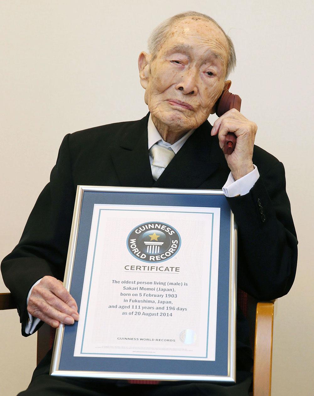 Momoi, un apasionado de la poesía, asegura que no hay un truco especial para la longevidad.