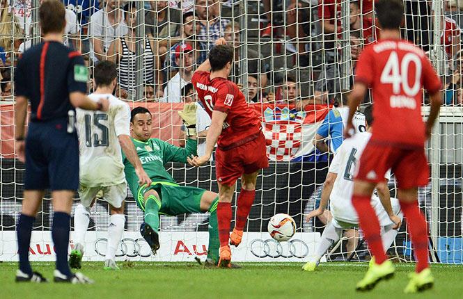 Con gol agónico Bayern Múnich propina derrota al Real Madrid