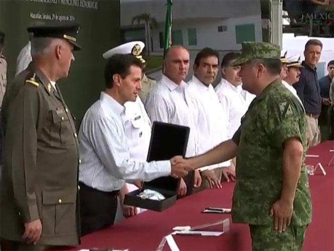 Fuerzas Armadas contribuyen al bienestar de los mexicanos, resalta Peña Nieto
