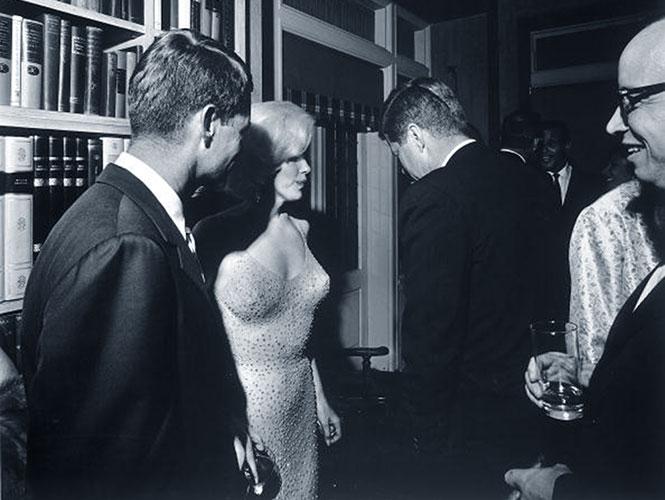 Subastan famoso vestido de Marilyn Monroe en más de 2 mdd