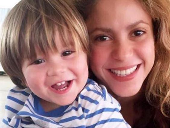 Su hijo estuvo enfermo — Confirma Shakira