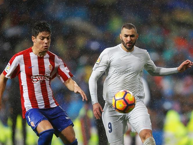 Real Madrid juega con uniforme hecho de plástico 3cf09a4a42f18