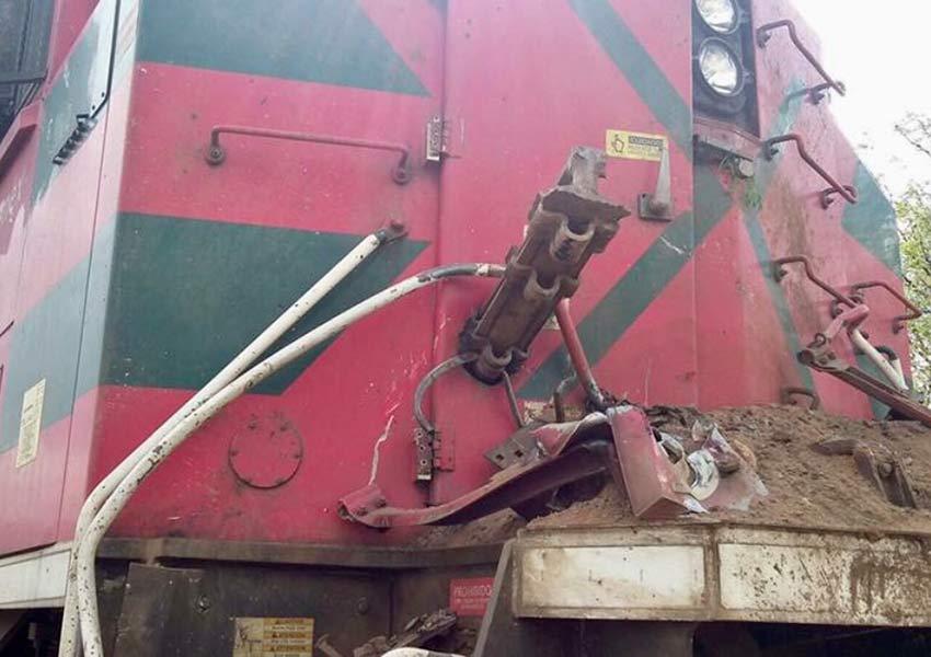 Descarrila tren cargado de ácido sulfúrico y polvo de cobre