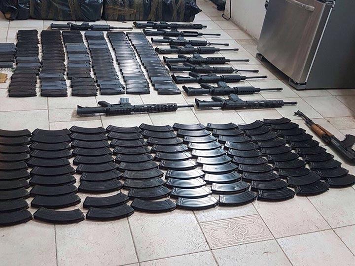 Ejército y Policia Estatal aseguran armas y vehiculos en Altamira 1672813