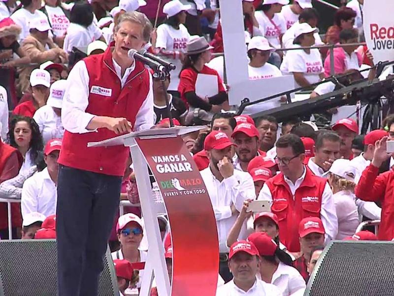López Obrador llama a