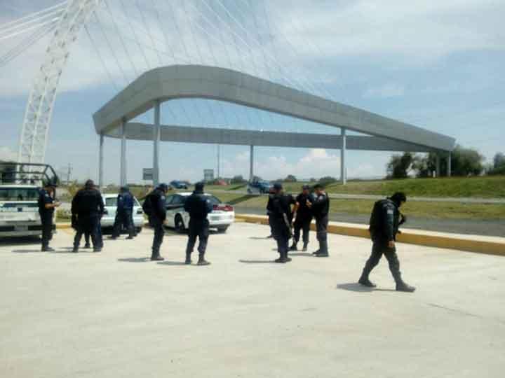 Banda de chupaductos asesina a policías en Puebla y agrede a militares - Página 2 1690244