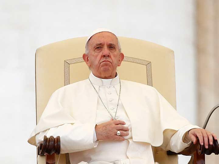Policía descubre orgía gay y drogas en apartamento de sacerdote — Vaticano
