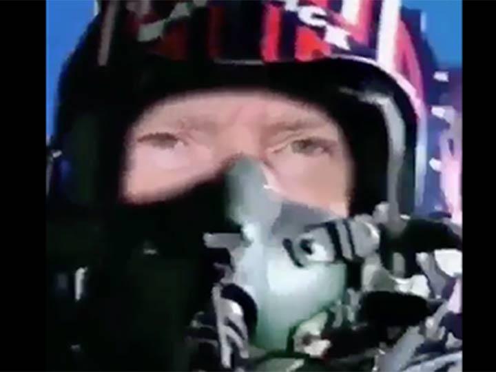 Donald Trump Jr. publica video de su padre disparando misil a CNN