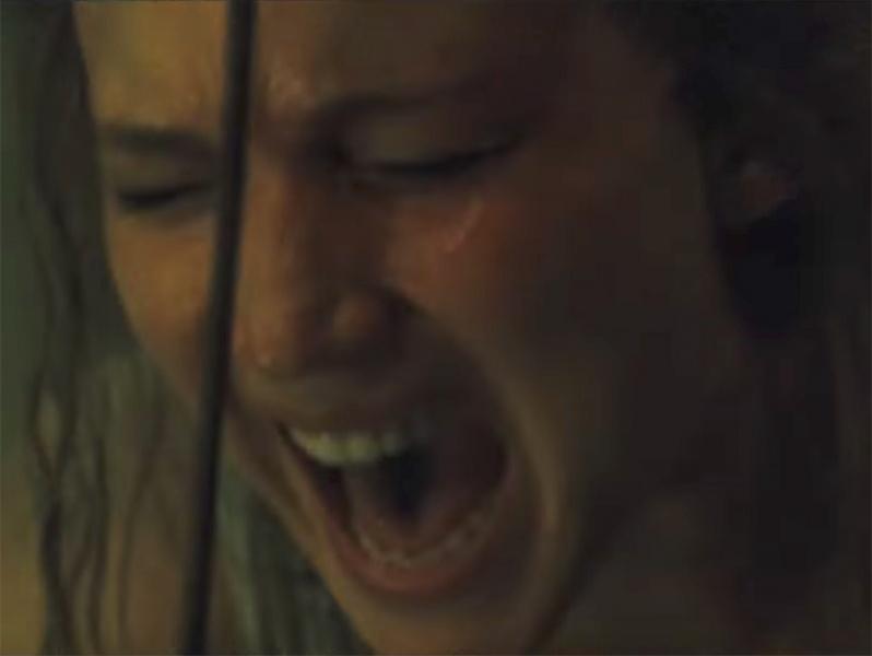 Jennifer Lawrence sufre y se obsesiona en el perturbarte trailer de Mother!