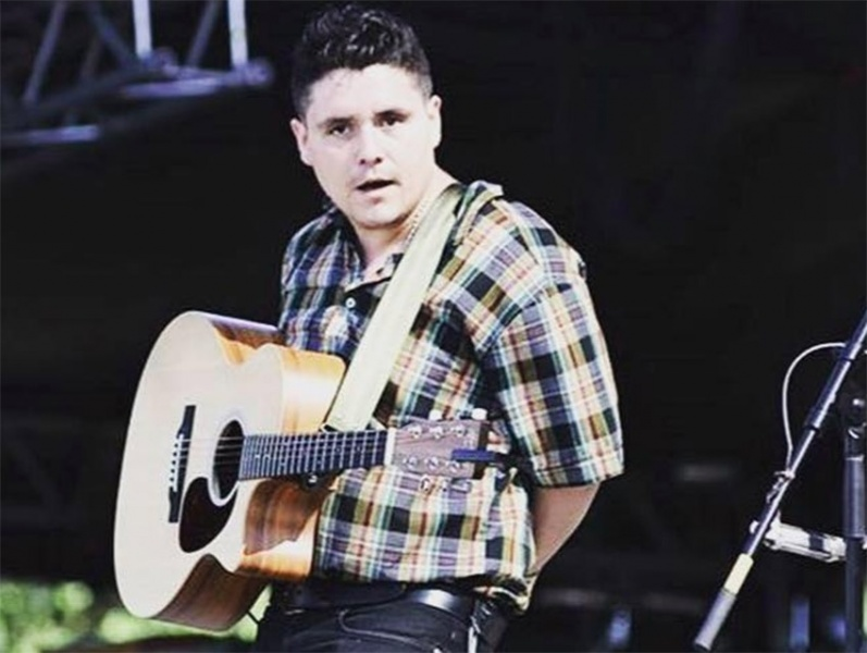 Polémica porque terremoto en México fue burlado por el cantante Juan Cicerol